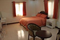 Carasuchi Villa Holiday Rental Tagaytay, Philippines master bedroom