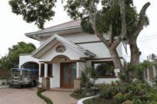 Carasuchi Villa Tagaytay Philippines Car Park