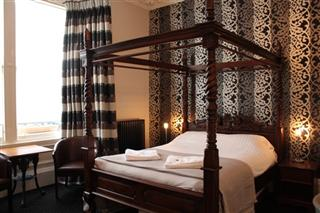 Royal Mile Hotel