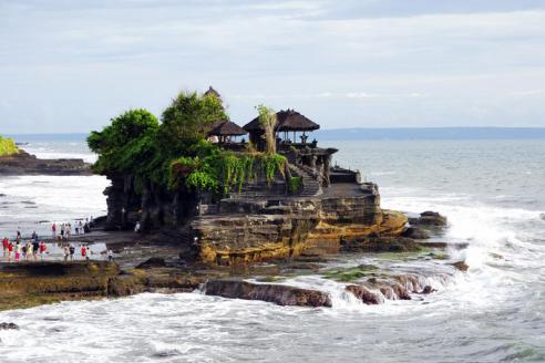 nah Lot Temple is a Hindu Temple set on the big rock surrounded by the seawater and located in Tabanan Regency, west part of Bali
